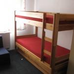 šest postelová izba, postel